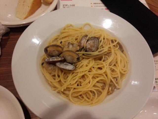 【孤高のグルメ】カプリチョーザ②(ランチ)「黒胡椒を効かせた・あさりのスープスパゲティ」&(トマトとニンニクのスパゲティ)